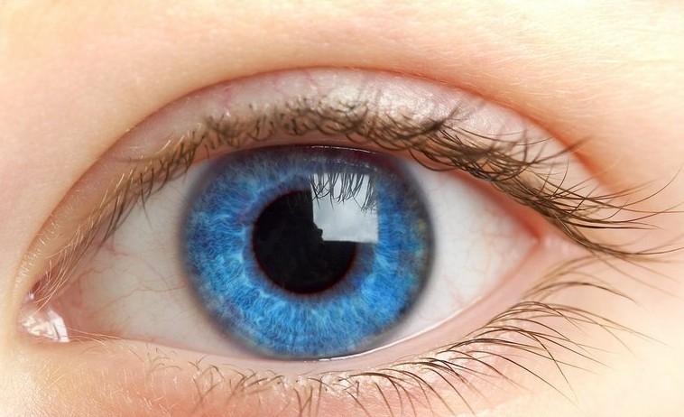 谈谈近视眼为何不易眯眼睛视物?